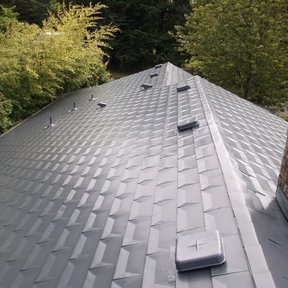 "<div><h4>Aluminum Shingles</h4><p><b>Manufacturer:</b> The Aluminum Shingle Company</p><p><b>Style:</b> Metal Slate/Shingle</p><p><b>Material:</b> Aluminum</p><p><b>Color:</b> Gray</p><p><a href=""/gallery/image-detail/676/"" class=""link-arrow text-uppercase theme-color--orange"" data-toggle=""modal"" data-target=""#detailModal_gallery_image_grid_lamlejqhdgHs"">View More</a></p></div>"